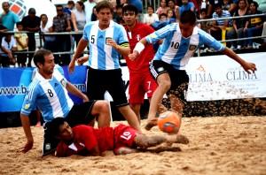 Argentina superó de manera ajustada Perú en el inicio de las Eliminatorias (Foto: InfoMerlo.com)