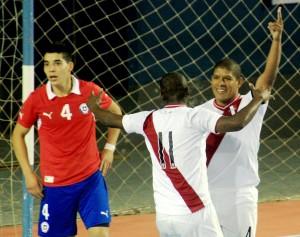 """Manolo"" Caldas anotó un doblete ante Chile (Foto: Luis Chacón / PeruFutsal)"