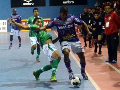 Panta NPA Walon y R&R Surco se vuelven a ver las caras, esta vez en los Play-Off (Foto: José Salcedo / PeruFutsal.pe)