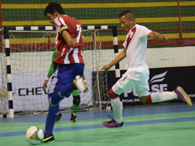 Perú cayó 6-3 ante Paraguay. Con este resultado, la bicolor se ubicó en el 8vo lugar del cuadro general del Sudamericano (Foto: Luis Dominguez / CBFS)