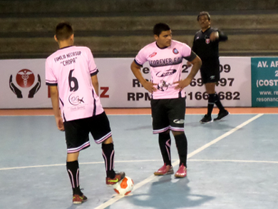 Forever FC del Rímac no tuvo mayores reparos para humillar por 8-0 a la Univ. Autónoma del Perú (Foto: PeruFutsal.pe)